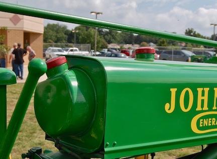 John Deere two tanks