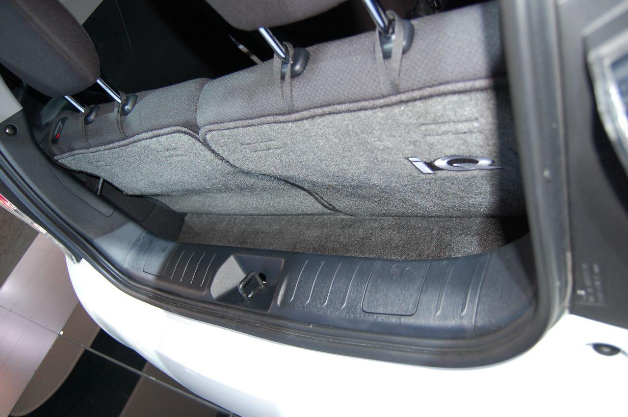 Scion IQ trunk