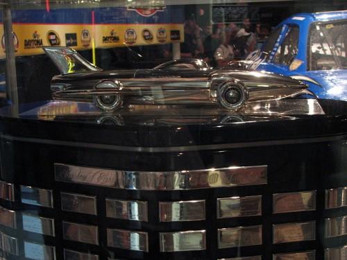 800px-2008_Daytona_500_Trophy
