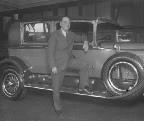Walter P. Chrysler with the brand new Chrysler Six, 1924