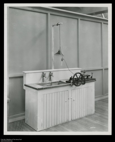 1939 photo of Ford's kitchen sink engine.